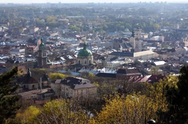 В центре Львова избили почетного консула Бельгии