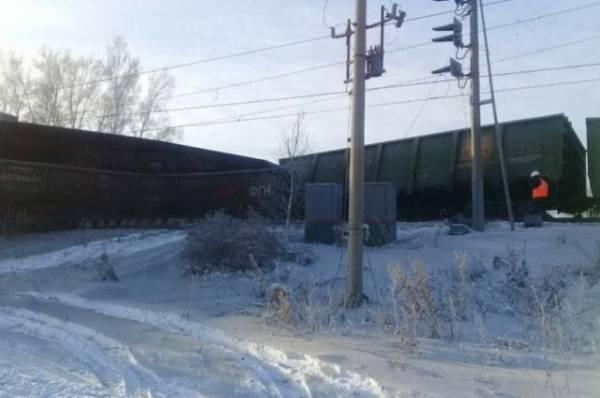 Под Иркутском восстановлено движение поездов после схода вагонов с рельсов