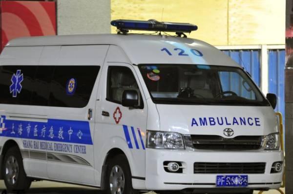 В Китае вооруженный ножом мужчина ранил на улице 20 человек