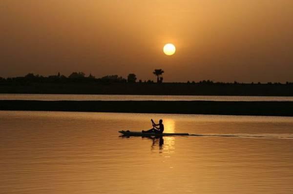 Более 45 человек погибли при кораблекрушении на реке Нигер