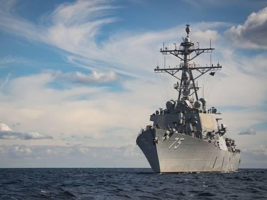 Появились фото американского эсминца, входящего в Черное море