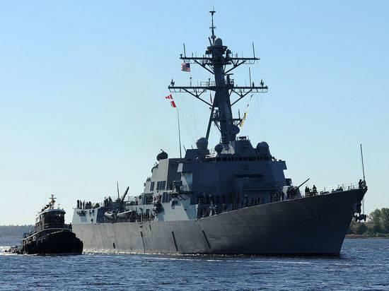 "Балтийский флот следит за американским эсминцем ""Грейвли"""