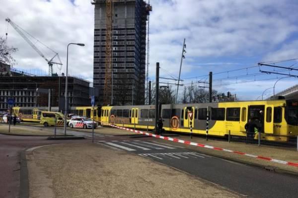 Число погибших при стрельбе в Утрехте достигло трех человек
