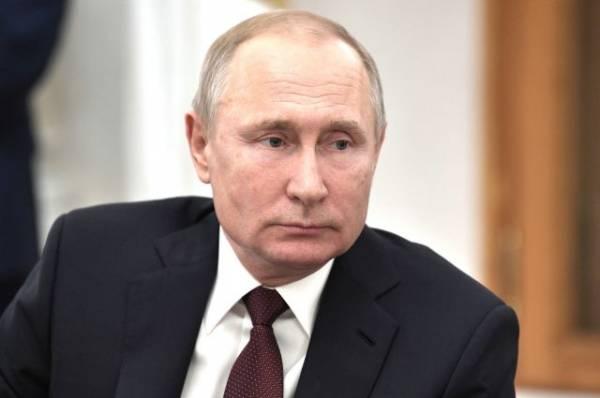 Путин поручил увеличить группировку МЧС для тушения пожаров в Забайкалье