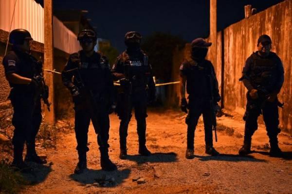 В Мексике 13 человек погибли в результате стрельбы на вечеринке