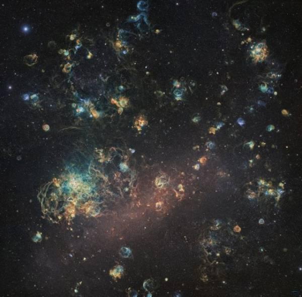 Как выглядят 6 недель непрерывной съемки Большого Магелланова Облака