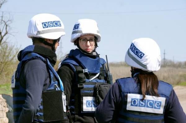 Представитель ОБСЕ по СМИ обеспокоен обстрелом журналистов в Донбассе