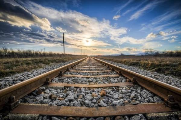 Поезд с опасными веществами сошел с рельсов в Канаде