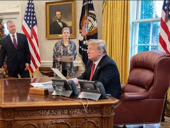 Президент США решил ужесточить систему предоставления убежища мигрантам