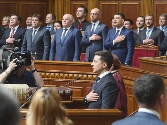 На Украине вступил в силу указ президента о роспуске Рады
