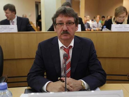 Сургутский депутат задекларировал несколько десятков квартир и десять самолетов
