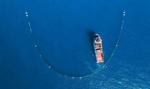 Барьер-мусоросборник «The Ocean Cleanup» возвращается в океан после модернизации