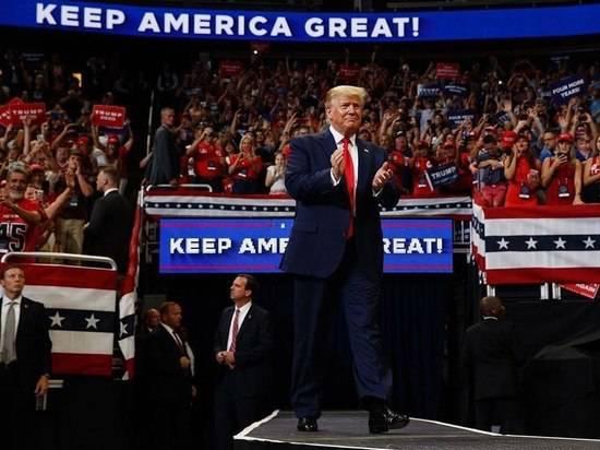Опубликованы письма посла Великобритании в США: предрек переизбрание Трампа
