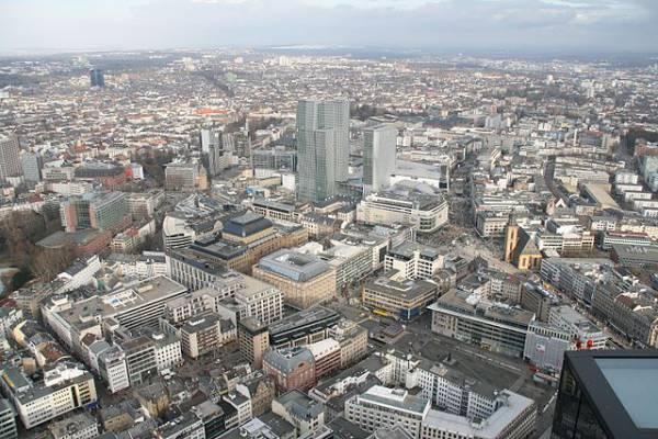 Во Франкфурте-на-Майне обезвредили бомбу времен Второй мировой войны