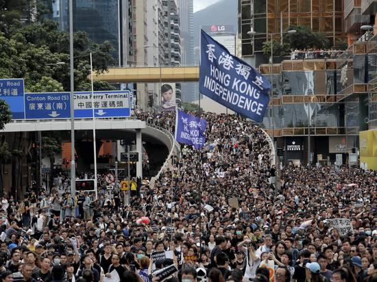 Протестующие в Гонконге добились отмены рассмотрения скандального закона об экстрадиции