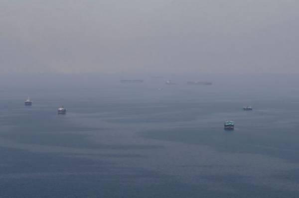 В Иране заверили, что экипаж задержанного танкера находится в безопасности