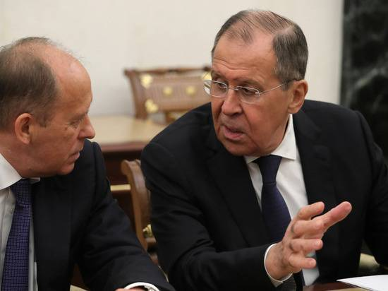 Лавров заявил, что Запад отрывает Грузию от России
