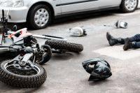 В Москве иномарка врезалась в автобусную остановку, есть пострадавшие