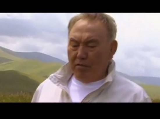 Назарбаев снял клип на собственную песню о казахской земле