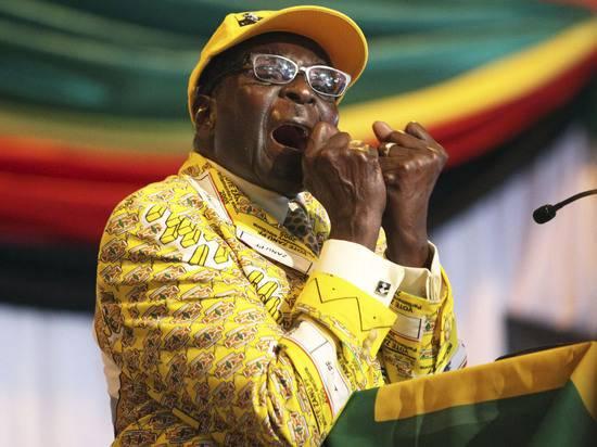 Умер Роберт Мугабе: за что хвалят и проклинают экс-президента Зимбабве