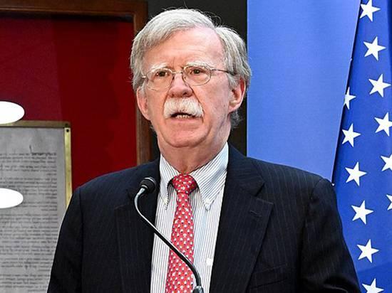 Сторонник войны и экономического давления: Иран приветствовал уход Болтона