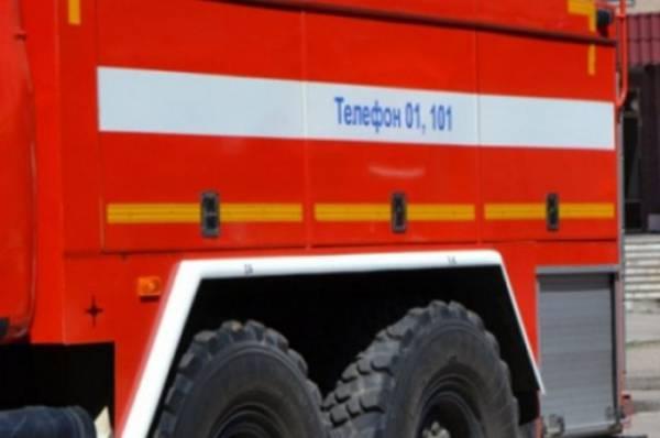 В Петербурге пожар на подстанции оставил без света жителей более 60 домов