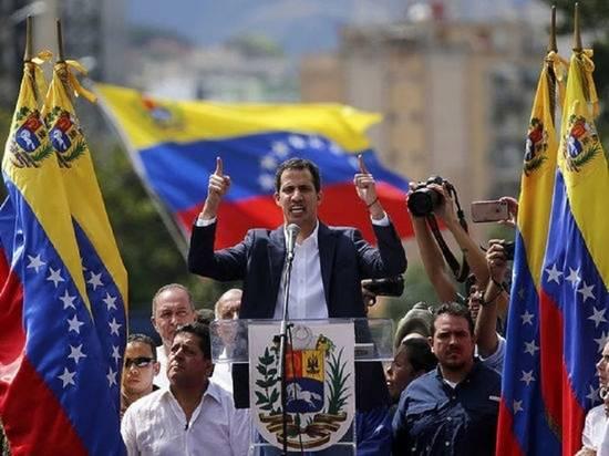 В офисе Гуайдо назвали переговоры с властями Венесуэлы умершими