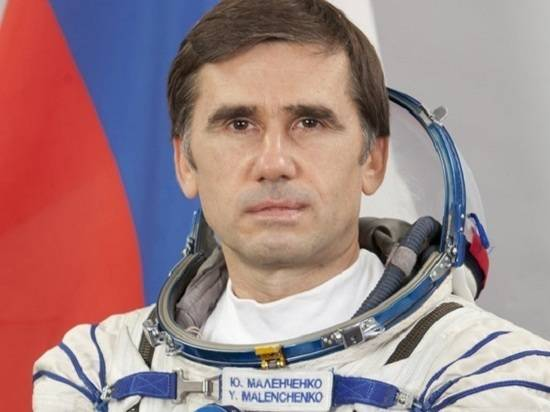 Российскому космонавту отказали в повышении из-за жены-американки