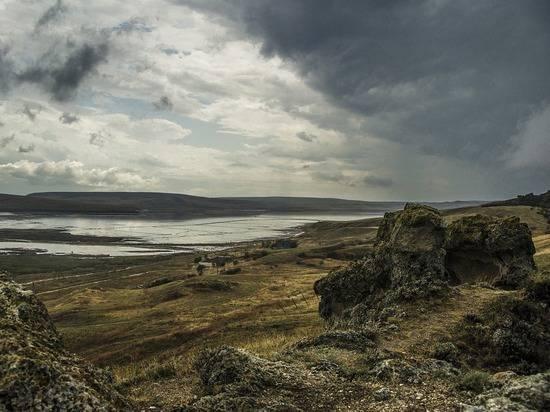 Зеленский: Украина не обсуждает с Россией подачу воды в Крым
