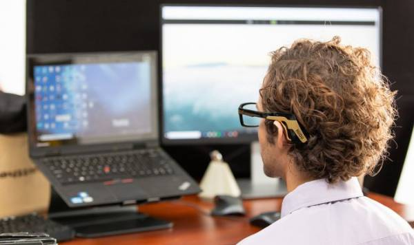 Необычные очки HiiDii Glasses можно использовать вместо компьютерной мышки