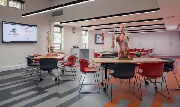 Австралийский университет заменяет учебники гарнитурами виртуальной реальности
