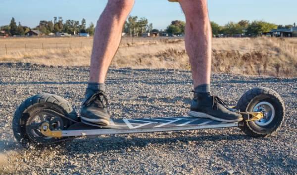 Электроскейт Speedboard потягается в скорости с автомобилем
