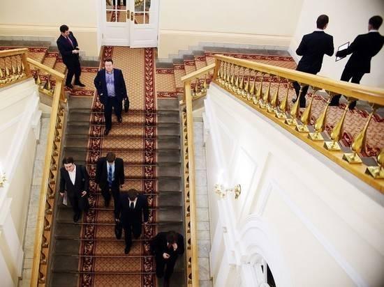 Правительство потратит 120 млн рублей на переобучение 15 тысяч чиновников
