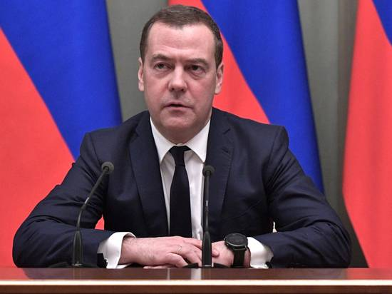Эксперт по лжи разобрал реакцию Медведева на отставку правительства