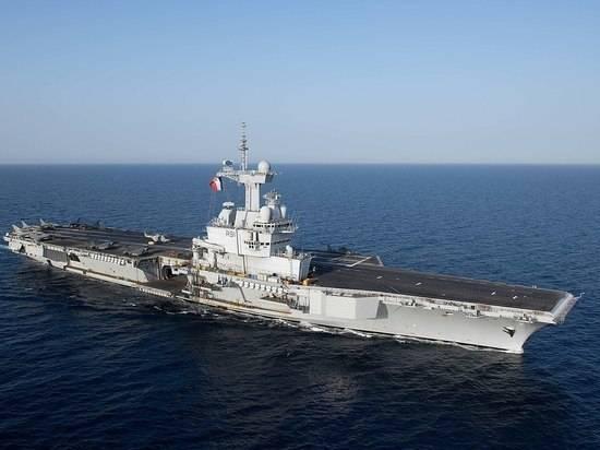Франция направит на Ближний Восток свой единственный авианосец