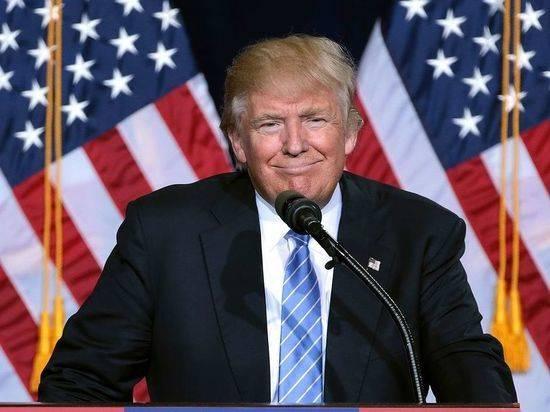 СМИ сообщили об отстранении советника Трампа по России