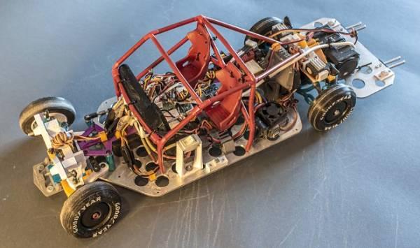 Игрушечный автомобильчик оснастили умной подвеской и научили дрифтить, как настоящий тяжелый спорткар