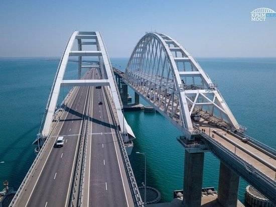 Кравчук назвал отличия ситуаций с Крымом и Донбассом для Украины