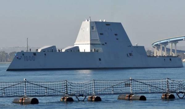 Странный корпус эсминца Zumwalt помогает ему справляться с самыми высокими волнами