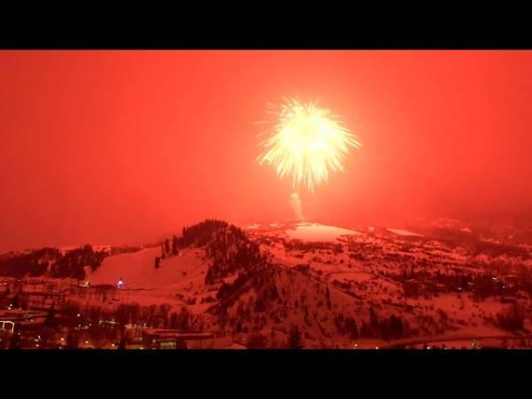 В штате Колорадо запустили самый большой фейерверк в мире – и сняли это на видео