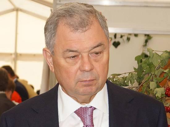 Политологи объяснили отставку губернатора Калужской области Артамонова