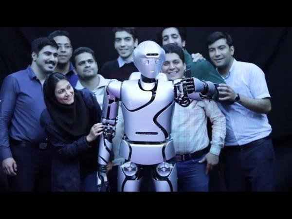Иран представил своего самого продвинутого робота-гуманоида