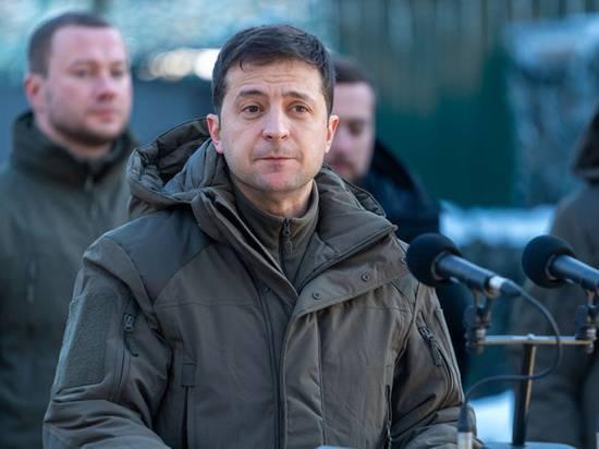 Говоря об ожесточенных боях на Донбассе, Зеленский упомянул сильную армию