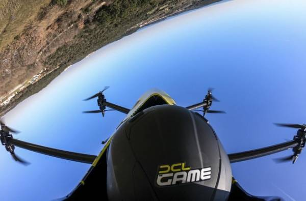Первый в мире пассажирский беспилотник показал фигуры высшего пилотажа