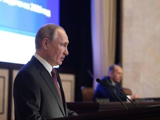 Эксперт прокомментировал поручение Путина спецслужбам по поводу празднования Дня Победы