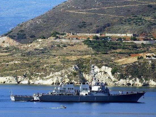 Корабль ВМФ США зашел в Черное море