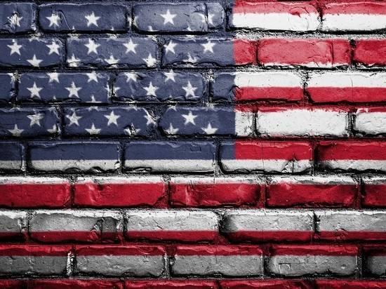 США ужесточают правила выдачи грин-карт