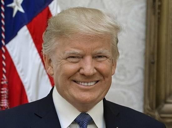 Трамп в твите с опечаткой раскритиковал освещение коронавируса в СМИ