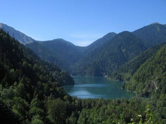 Абхазия с 1 марта закрывает въезд иностранцам из-за коронавируса