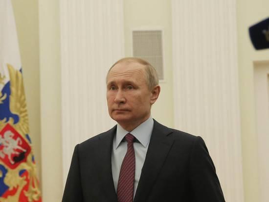 Путин признался, что не пользуется смартфонами